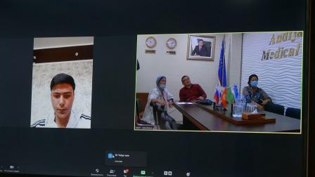 В  Андижанском  государственном  медицинском  институте  продолжаются  онлайн – беседы   с  иностранными   абитуриентами
