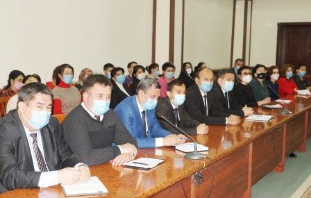 Prezident maslahatchisi Andijon davlat tibbiyot instituti jamoasi bilan muloqotda bo'ldi