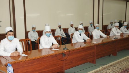 """Andijan State Medical Institute hosted a seminar on """"Protection of the population and the region from emergencies"""""""