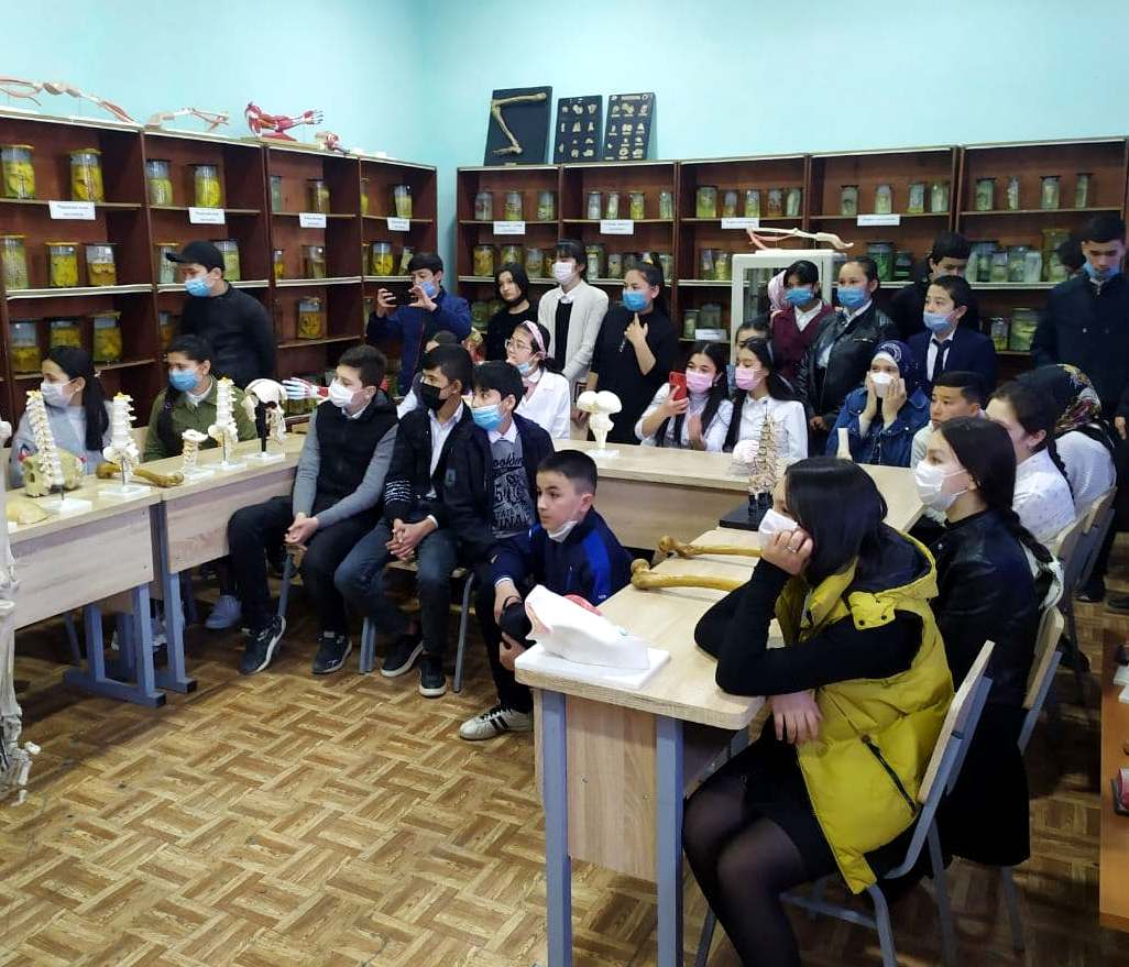 SCHOOL STUDENTS IN OUR INSTITUTE